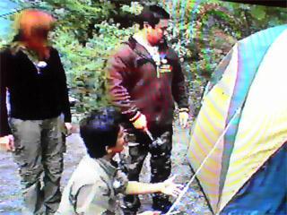 テントを無事張り終えたケンスキーさんと北斗さん